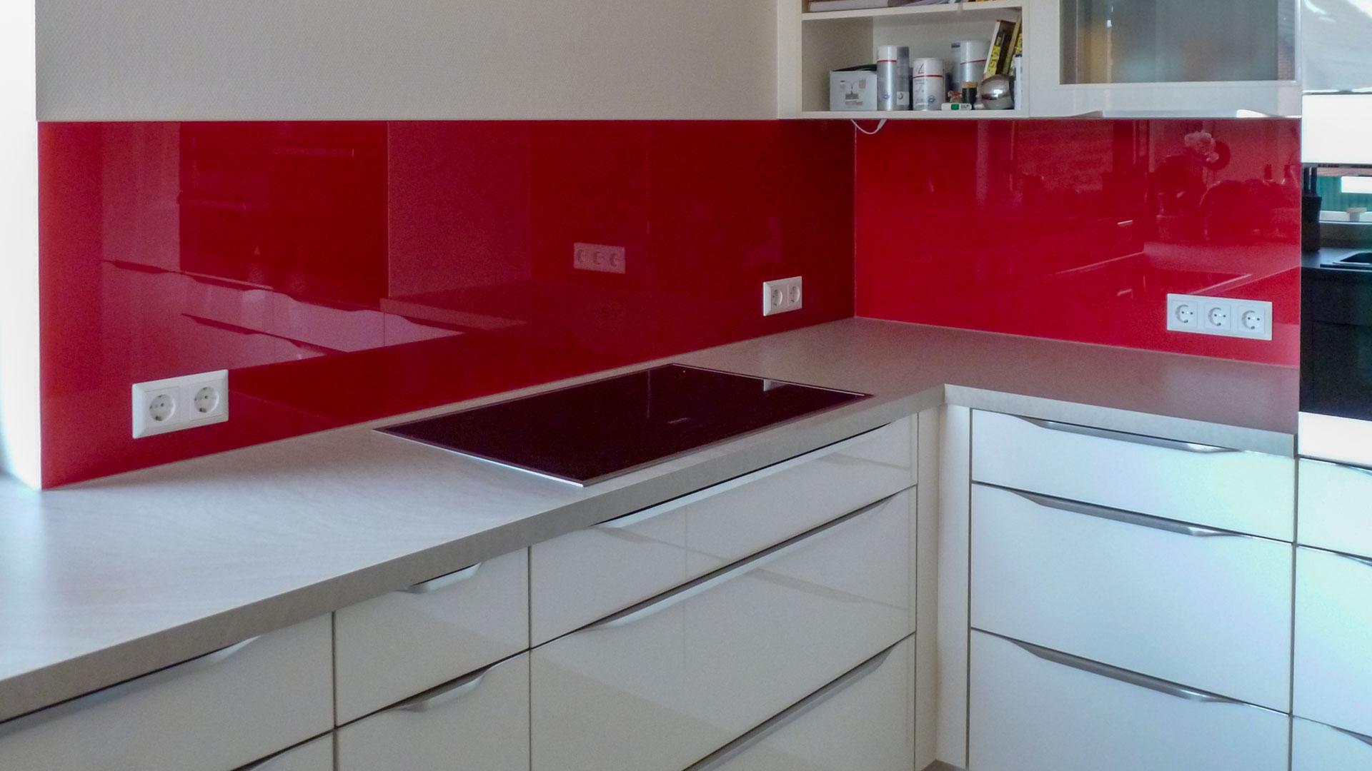 ideen in glas f r ihre k che hygienisch modern und innovativ. Black Bedroom Furniture Sets. Home Design Ideas