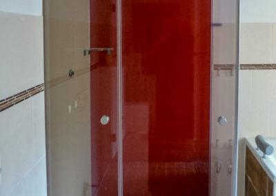 Dusche rot-weiss